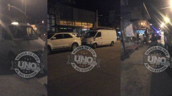 una madre enojada reclamo por las camionetazas que estacionan en las garitas
