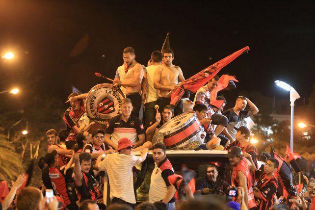 Histórico. El 6 de diciembre de 2015 Patronato logró el ascenso a Primera División A y hubo grandes festejos en la capital entrerriana.