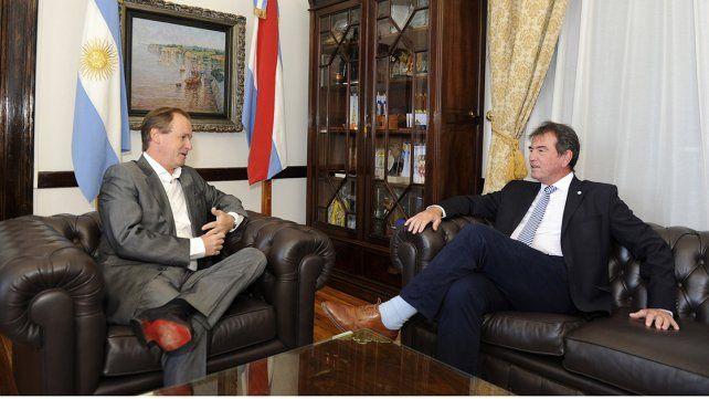Coincidencias. El gobernador y el presidente del STJ acordaron pautas de trabajo en conjunto.
