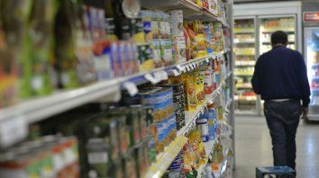 estudios y audiencias para frenar el avance irregular de grandes supermercados