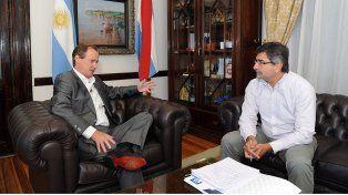 Planificación. El gobernador instruyó al ingeniero González sobre las prioridades de las obras.