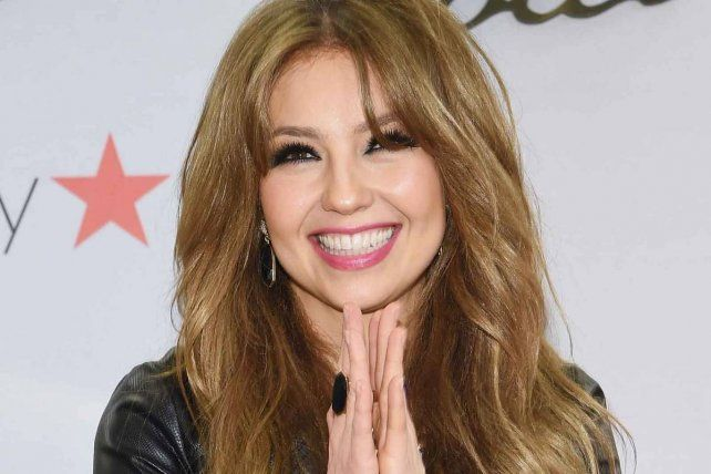 #Video Thalía baila 'Marimar' y enseña de más