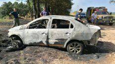 delincuentes asaltaron a un taxista y le incendiaron el auto