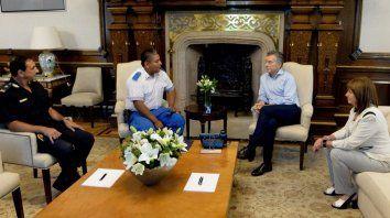 En la casa rosada. El presidente Macri y la ministra Bullrich recibieron al policía Luis Chocobar.