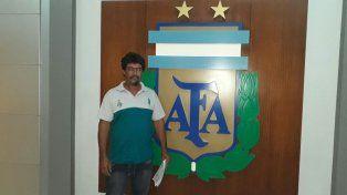 Intengrante de la subcomisión de fútbol de Diamantino entregó una nota en AFA