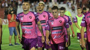 Cambiaron el horario del partido entre Vélez y Patronato en Liniers