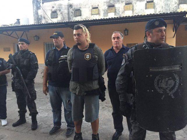 El traslado a Quilmes se realizó con un fuerte operativo policial. Foto PER.
