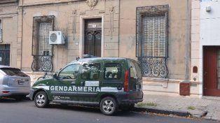 Desde tempranas horas de este jueves personal de Gendarmería ingresó a la vivienda de calle Feliciano