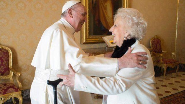 Estela de Carlotto reveló que el papa Francisco está preocupado por Argentina