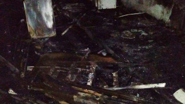 Se incendió el galpón de carrozas de la comparsa Mari Mari