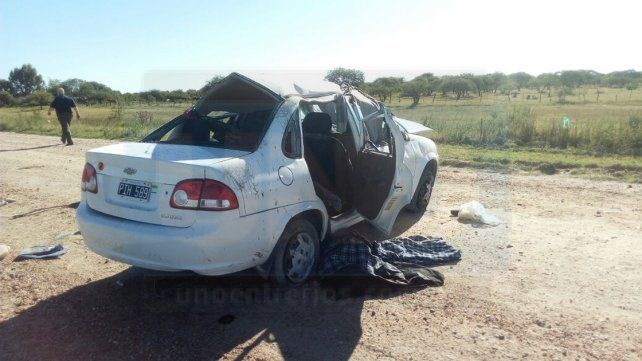 Fatal despiste y vuelco en Gualeguay con tres turistas muertos