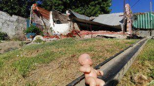 La casa derrumbada por los vecinos del barrio. Foto UNO.