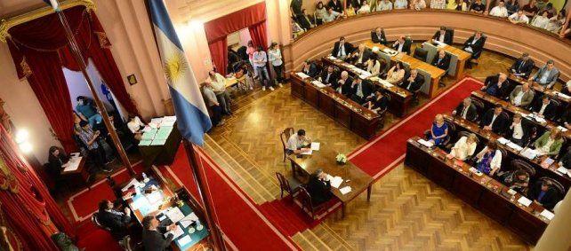 La defensa. Los diputados provinciales de Cambiemos respaldaron el proyecto de Macri.