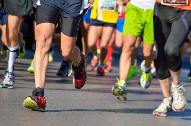 Maratón Nocturna en la Costanera de Paraná