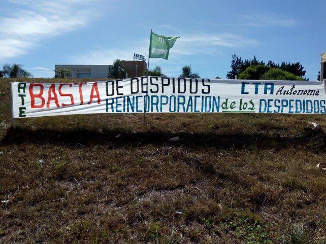ATE y CTA Autónoma volantearon contra la ola de despidos