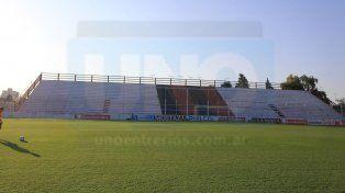 La tribuna Grella seguirá clausurada para el público.