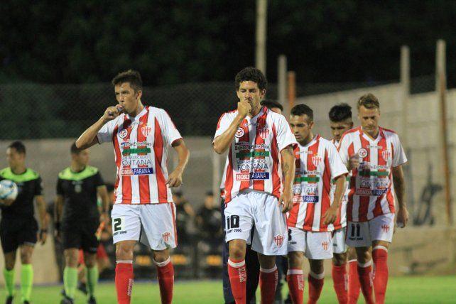 Buen momento. Albornoz (a la izquierda) indicó que las victorias le dieron al equipo un envión anímico.