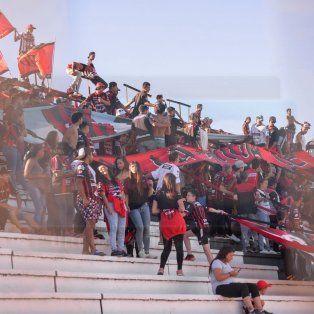 La barra el día del partido con Unión. Foto UNO.
