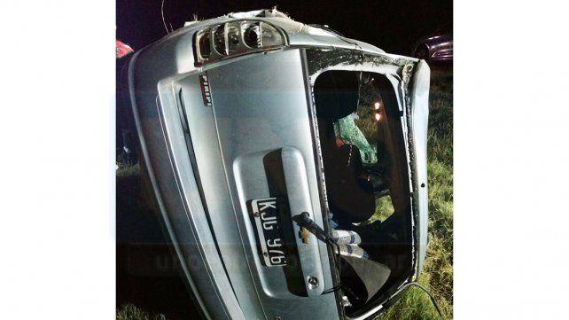 Accidente fatal: Un hombre perdió la vida tras despistar su auto en ruta 14