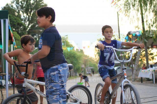 Hubo fiesta en Puerto Sánchez y  la solidaridad fue la protagonista