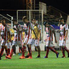 Atlético Paraná cayó por goleada en su visita a Las Parejas