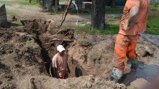 Otra vez los barrios de Paraná sin agua: reparan un caño en el Acceso Norte