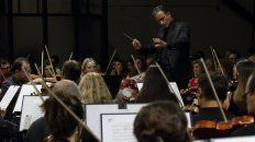 velada historica de la orquesta sinfonica de entre rios en el primer concierto de su 70° aniversario