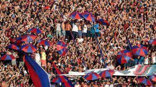 Insólito: quieren parar los partidos de fútbol cuando los hinchas insulten a Macri