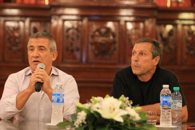 Urribarri, como presidente de la cámara de diputados presentó a Cerdá.  Foto <b>UNO</b> Diego Arias.