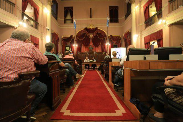 Los asambleístas fueron llenando el recinto y ocuparon los lugares de los diputados que faltaron.FotoUNODiego Arias.