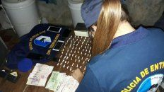 detuvieron a tres personas por venta de drogas en diamante