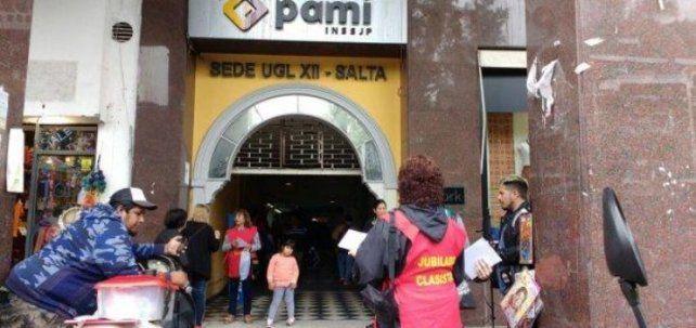 En la delegación de Pami Salta agredieron a una mujer argentina porque pensaron que era boliviana.