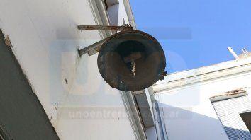 La campana de la escuela. Foto UNO Archivo.
