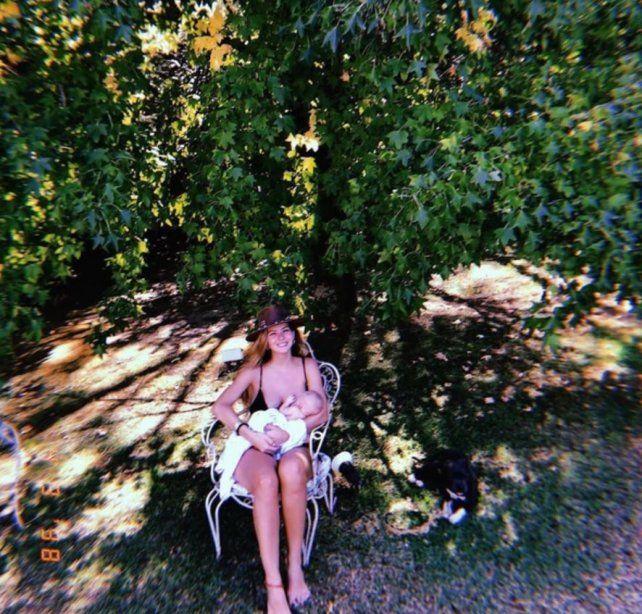 Las tiernas imágenes de la China Suárez amamantando a Magnolia