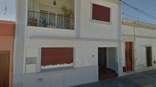 Escaladores. Los dos ladrones treparon por el balcón de la vivienda de calle Laprida.