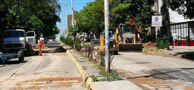 Repararon el caño de agua roto en calle 25 de Mayo