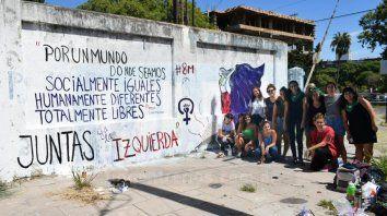 El mural quedó en una de las paredes del ferrocarril de Paraná. Foto gentileza Chano Giusti.