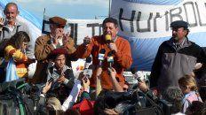 En agosto de 2008 De Ángeli dando un discurso en el corte de ruta. FotoUNOArchivo.