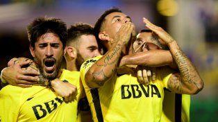 El festejo del primer gol de Boca. Foto Télam.
