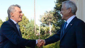 Amigos. El presidente argentino repartió elogios para su par su chileno, que volvió a La Moneda.