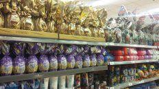 OFERTA. En las góndolas de los grandes comercios hay diversidad de productos.