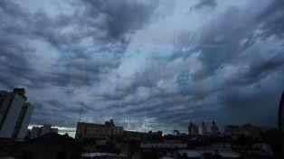Se renovó el alerta por tormentas fuertes para la provincia