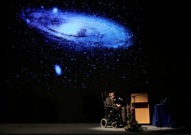 Las tres advertencias de Stephen Hawking a la humanidad antes de morir