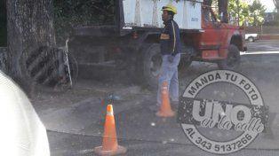 Armaron un andamio para cortar una tipa en calle Tucumán