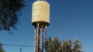 Rápida intervención. Distintos organismos trabajaron para restablecer el servicio de agua.