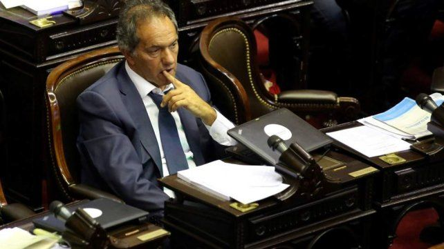 Citan a indagatoria a Daniel Scioli por presuntas irregularidades en la obra pública
