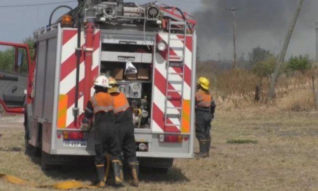 Bomberos de Crespo no dan abasto con los incendios de la zona
