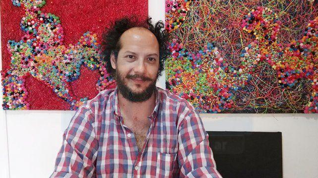 Pablo González es artista plástico