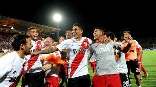 Celebración. La Banda prolongará los festejos por vencer a Boca.