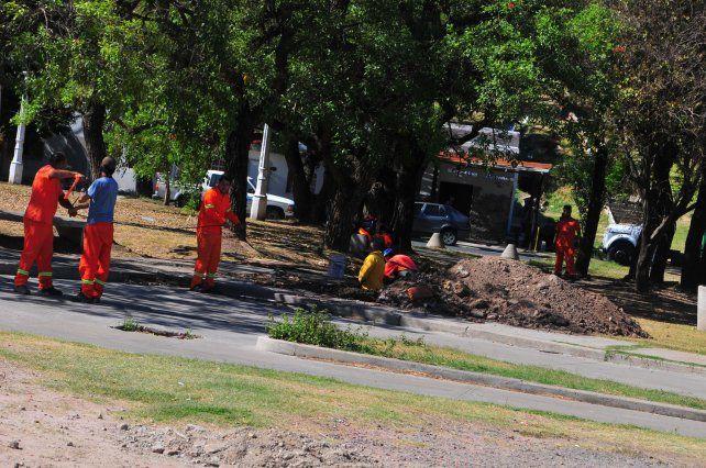 Obreros trabajan en un sector lindero a las rampas. Foto <b>UNO</b> Juan Manuel Hernández.